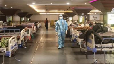 بھارت میں کورونا وائرس نے تباہی مچا دی ، دوسرے روز بھی 3 لاکھ سے زائد کیسز رپورٹ