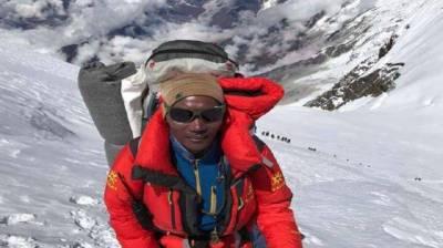 نیپالی کوہ پیما نے 25ویں بار ماونٹ ایورسٹ سر کرلی