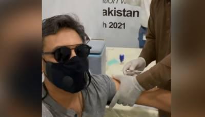 عدنان صدیقی نے کورونا ویکسین کی دوسری ڈوز بھی لگوالی