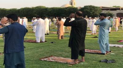ڈی آئی خان کے کئی علاقوں میں کل روزہ رکھا گیا، آج عید منائی جا رہی ہے