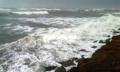 پاکستانی ساحل کے قریب سمندری طوفان شدت اختیار کرنے لگا