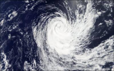 سمندری طوفان ٹاکٹے: محکمہ موسمیات نے پانچواں الرٹ جاری کر دیا