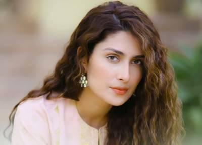 عائزہ خان انسٹاگرام پر سب سے زیادہ فالوورز رکھنے والی اداکارہ بن گئیں