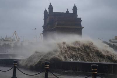 بھارت میں سمندری طوفان کی تباہ کاریاں، 14 افراد ہلاک، 18 زخمی