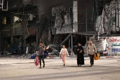 غزہ میں بے گھر فلسطینی شہری