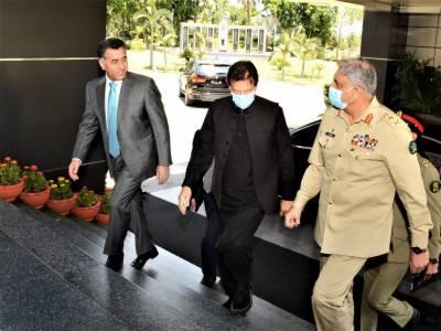 وزیراعظم عمران خان کا آئی ایس آئی ہیڈ کوارٹر کا دورہ