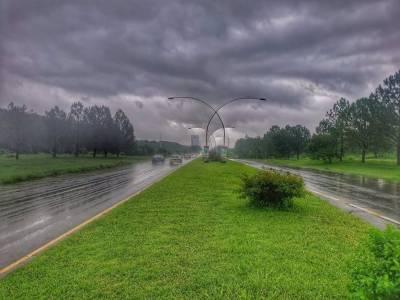 اسلام آباد سمیت کشمیر، پنجاب خیبر پختونخوا میں آندھی اور گرج چمک کے ساتھ مزید بارش کا امکان:محکمہ موسمیات