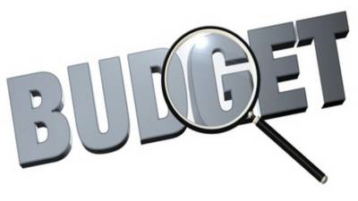 قانون و انصاف کے وفاقی وزیر بیرسٹر فروغ نسیم نے اپوزیشن کو بجٹ پر برائے راست مناظرے کا چیلنج دے دیا۔