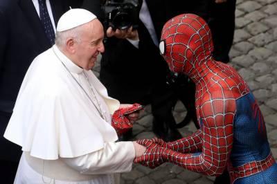 پوپ فرانسس کی اسپائیڈر مین سے ملاقات