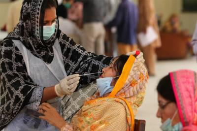 پاکستان میں ایک بار پھر کورونا کیسز میں اضافہ ، مثبت کیسز کی شرح 3.79 تک پہنچ گئی