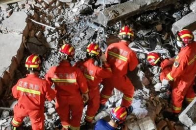 چین ، منہدم ہوٹل کے ملبے سے مزید 7 افراد کو زندہ نکال لیا گیا
