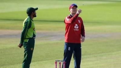 تیسرا ٹی20: پاکستان کا انگلینڈ کے خلاف بیٹنگ کا فیصلہ