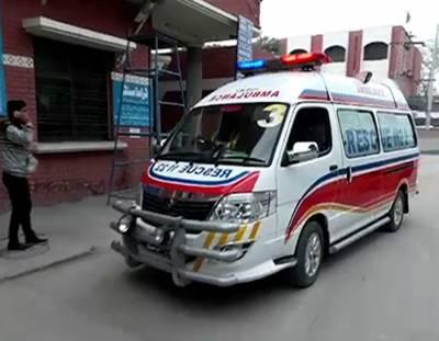 ٹرک اور مسافر وین کے درمیان خوفناک تصادم ، 4 افراد جاں بحق