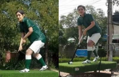 اولمپین سمیع اللہ خان کے مجسمہ کیساتھ منسلک ہاکی اور گیند دوبارہ چوری