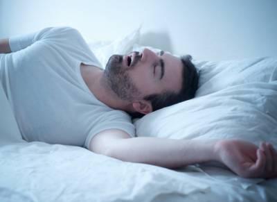 نیند میں خراٹے کس بیماری کی وجہ ہیں؟