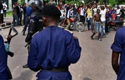 جمہوریہ کانگو،ماسک نہ پہننے پر پولیس اہلکار نے طالب علم کو گولی ماردی