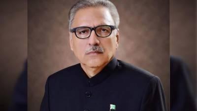 پاکستانی عوام کشمیری بھائیوں اور بہنوں کی جائز جدوجہد میں ان کے ساتھ کھڑے ہیں. ڈاکٹر عارف علوی