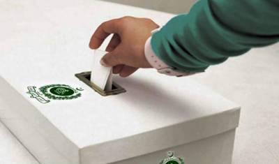 ملک بھر میں کنٹونمنٹ بورڈ انتخابات جاری، پولنگ اسٹیشنز کے باہر لمبی قطاریں