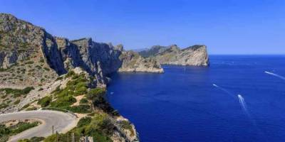 سپین،جزیرہ مالورکا کی سمندری حدود میں تیراکی کے لیے جانے والے2 امریکیوں کی لاشیں برآمد