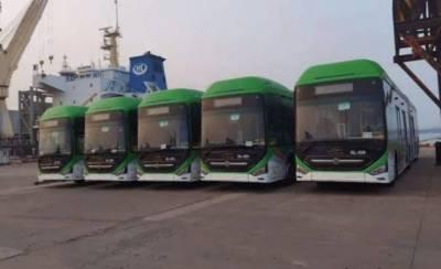 وفاق کے بعد سندھ حکومت کا بھی کراچی کیلئے 50 نئی بسیں فراہم کرنے کا فیصلہ