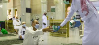مسجد حرام میں ایام بیض کے 1000روزہ داروں کے لیے افطاری کا اہتمام