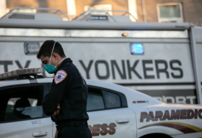 نیویارک ، 12 منزلہ عمارت سے چھلانگ لگا نے والا نیچے موجود شخص سےجا ٹکرایا ، دونوں موقع پر ہلاک