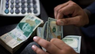 روپے کے مقابلے میں امریکی ڈالر سستا ، سٹاک مارکیٹ میں بدترین مندی