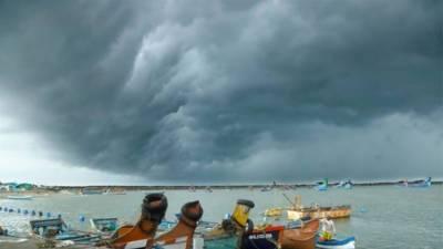 کراچی: خلیجِ بنگال میں بننے والے طوفان گلاب سے کراچی میں بارش کا امکان