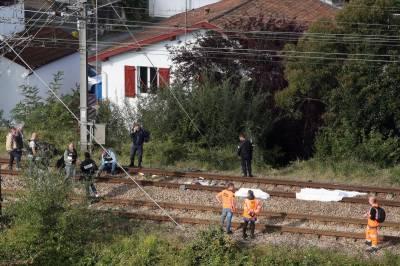 فرانس، ٹرین کی زد میں آکر تین تارکین وطن ہلاک، ایک شدید زخمی
