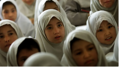 غربت سے دوچارافغان نقدی ،اسلحہ اورمویشیوں کے عوض کم عمرلڑکیاں بیاہنے لگے