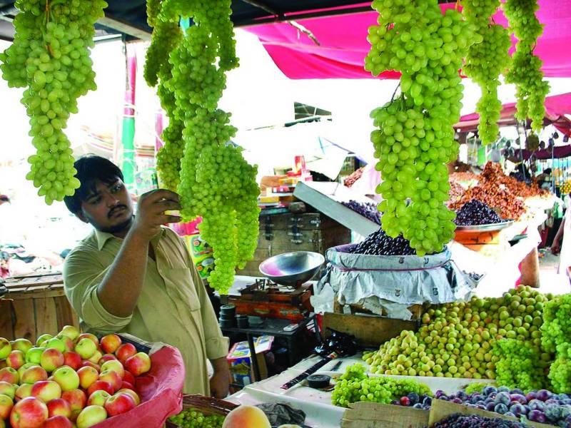 لاہور:گزشتہ ہفتے4سبزیوں،12پھلوں ،مرغی،انڈوں کی قیمت بڑھی