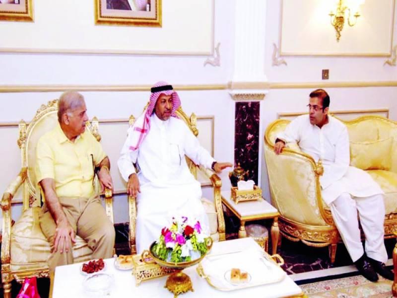 اسلام آباد: وزیر اعلیٰ پنجاب شہباز شریف سے سعودی سفیر عبدالعزیزالغدیر ملاقات کر رہے ہیں'سلمان شہباز بھی موجود ہیں