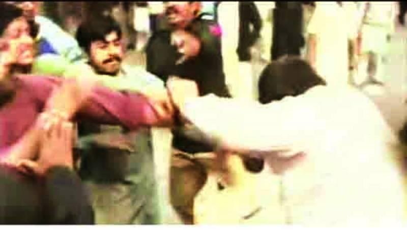 فیصل آباد میں تشدد افسوسناک، حکومت حالات خود خراب کررہی ہے: سیاسی رہنما