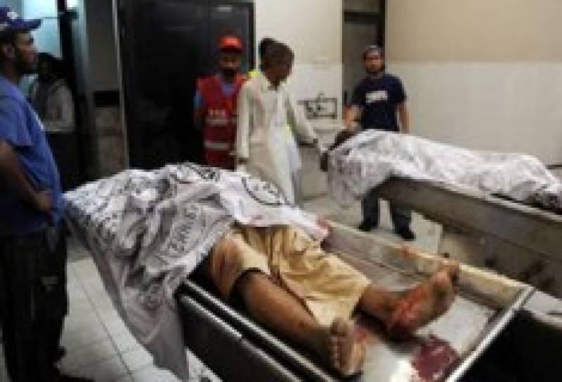 کراچی موٹر سائیکل سوار قاتل پھر سرگرم، فائرنگ، وکیل اور خاتون جاں بحق