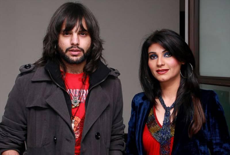 گلوکار نعمان جاوید اہلیہ فریحہ پرویز سے صلح کیلئے پھر سرگرم