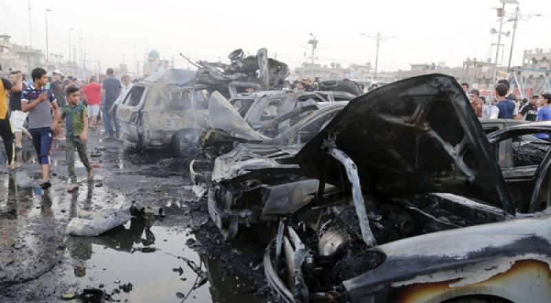 عراق : ٹرک کے قریب 2 بم دھماکے' نقل مکانی کرنیوالے 18 افراد ہلاک' موصل : داعش نے دفاعی مقاصد کیلئے سڑکوں پر رکاوٹیں لگا دیں