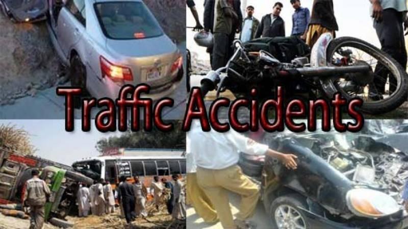 ٹریفک حادثات میں معمر شخص سمیت 2 افراد جاں بحق
