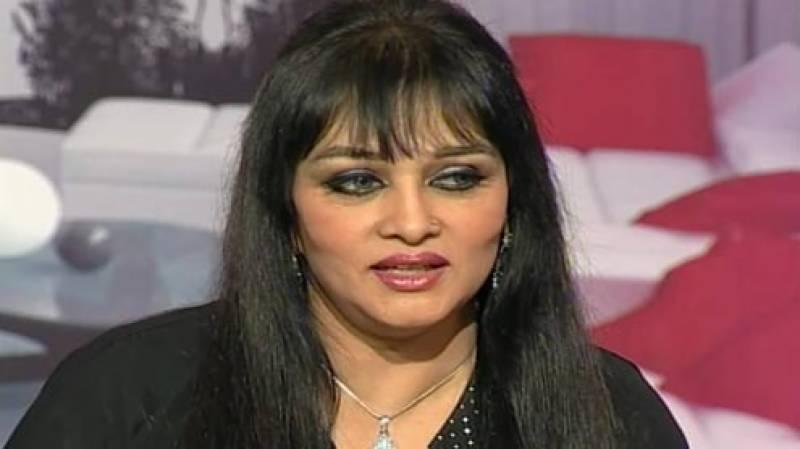 ;;پاکستان میں فنکاروں کا کوئی مستقبل نہیں: بندیا
