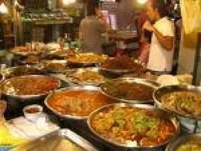 کرد کی فوڈ سٹریٹ آمد' نان چنے کھائے