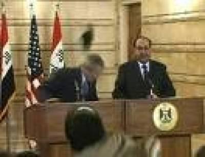 بش کو جوتے مارنے والا صحافی بہادر شخص ہے' مستعفی سپیکر عراقی پارلیمنٹ