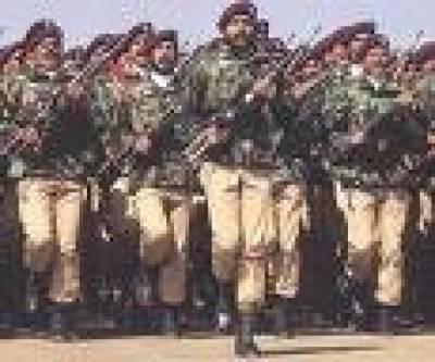 فاٹا سے ایک ڈویژن کی واپسی' تینوں افواج ریڈ الرٹ' صدر وزیراعظم کے دورے اور فوجیوں کی چھٹیاں منسوخ