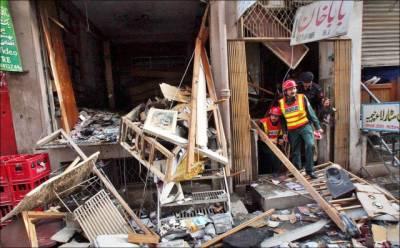 اورکزئی' پشاور : شیلنگ' جھڑپیں 22 شدت پسند جاں بحق' سی ڈیز سنٹر میں بم دھماکہ' 5 زخمی