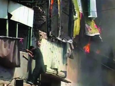 کراچی: فائرنگ اور تشدد کے واقعات میں 4 بھائیوں سمیت مزید 9 افراد ہلاک