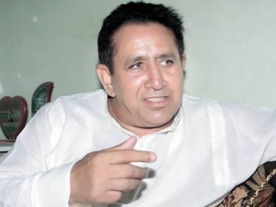 شفقت چیمہ نے پشتو فلموں میں اداکاری شروع کر دی
