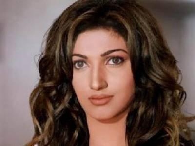 اداکارہ ثناءفیشن شو میں شرکت کریں گی