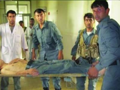 افغانستان: پولیس اہلکاروں نے زہریلا کھانا کھلایا پھر فائرنگ شروع کر دی' 8 ساتھی ہلاک' طالبان نے ذمہ داری قبول کر لی