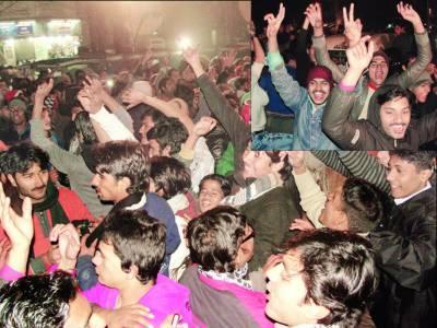 سال نو کی آمد پر ملک بھر میں جشن، کراچی میں فائرنگ سے ایک جاں بحق