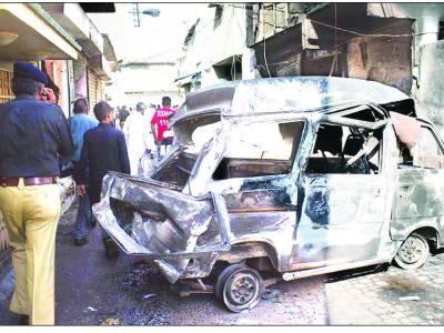 کراچی : فائرنگ سے پیپلزپارٹی کے کارکن اور 3 خواتین سمیت مزید 11 جاں بحق '2 جنوری تک ڈبل سواری اور اسلحہ کی نمائش پر پابندی