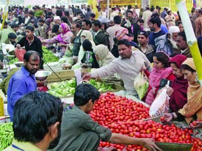 بارش کے باعث اتوار بازاروں میں رش کم، قیمتوں میں ملا جلا رجحان