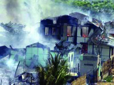 میانمار: شورش زدہ علاقوں سے مزید 8 نعشیں برآمد' مسلح بھکشوﺅں کا گشت' مسلمانوں کا قتل عام بند کیا جائے: او آئی سی